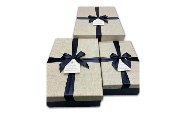 Rectangular gift boxes with ribbon, 3 pcs.